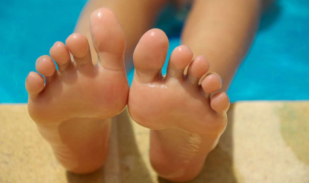 Should we apply essential oils to the soles of our feet